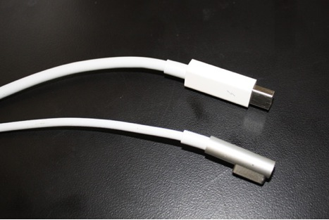 Apple Thunderbolt Cables from Display
